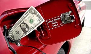 Повышение цен на бензин и дизтопливо, но снижение стоимости газа в Украине